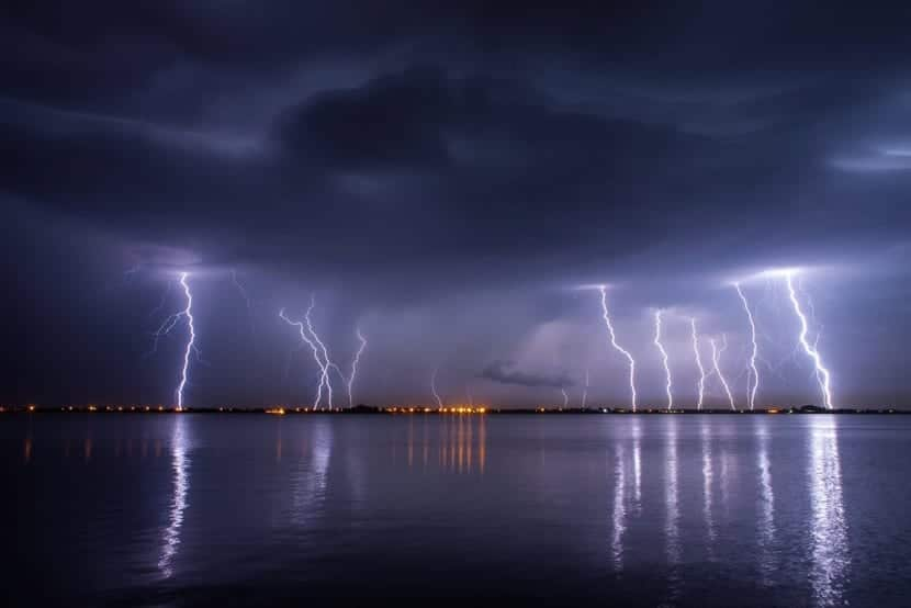 gran tormenta con rayos