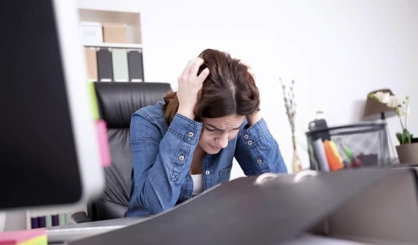 dolor de cabeza por depresión laboral
