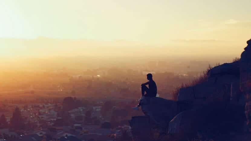 persona hedonista disfrutando del paisaje