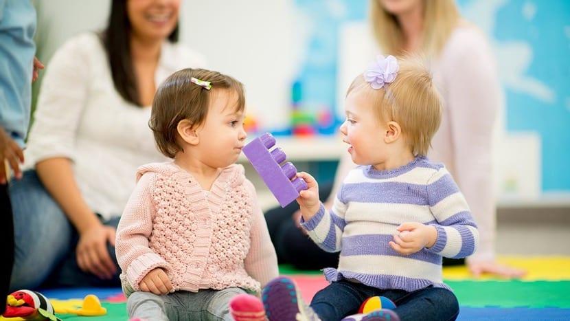 contagio emocional entre dos niñas