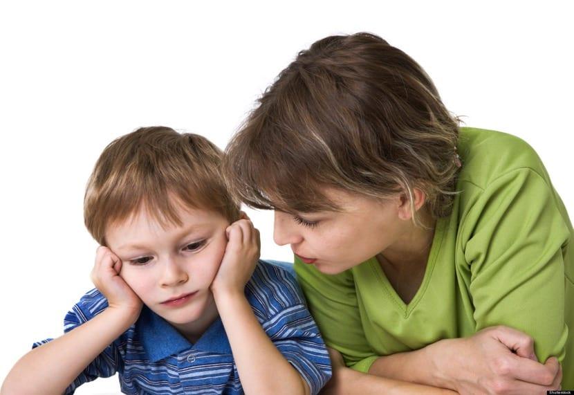 madre con nene con oligofrenia