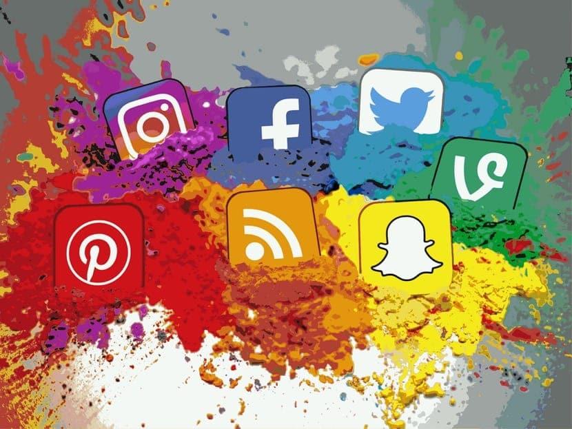 redes sociales en color