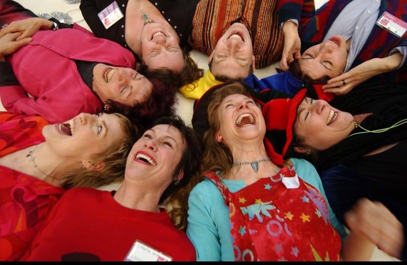 grupo de terapia de la risa