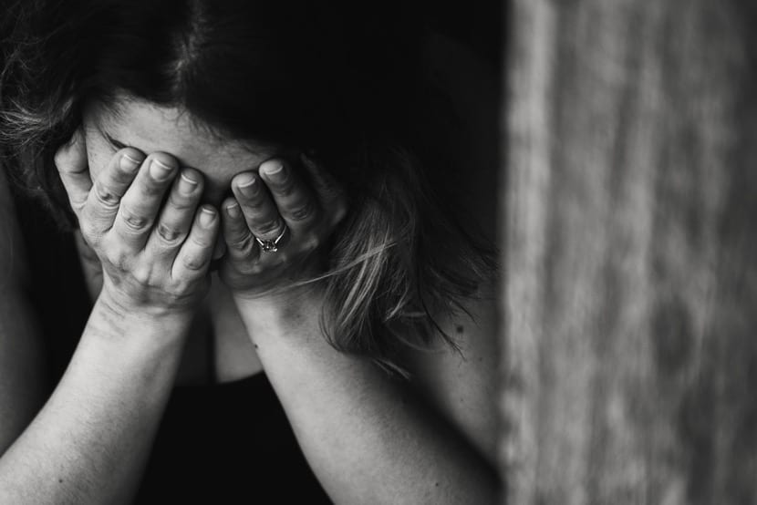mujer cleptómana arrepentida