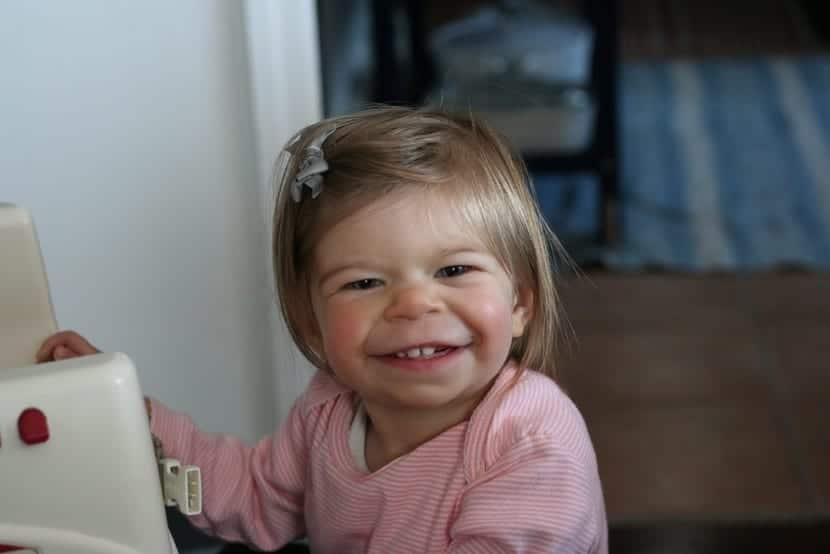 niña pequeña que tiene el sindrome de williams