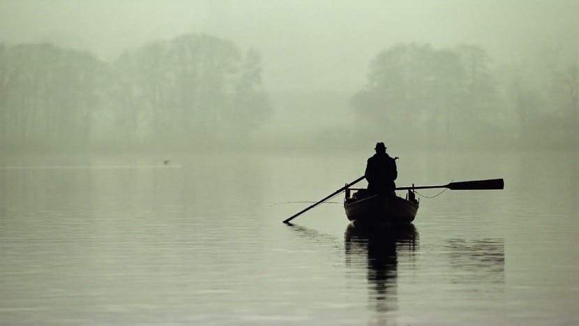 soledad en una barca